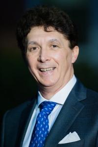 Il Dottor Cristiano Gandini premiato per la medicina e la terapia del dolore applicata ai bambini.